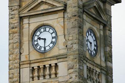 Clock-5-thumb.jpg