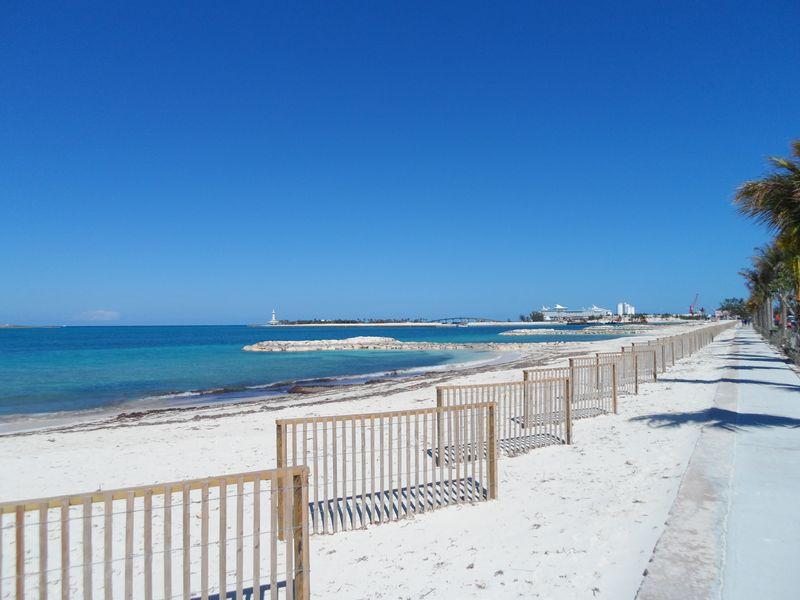 Saunders Beach walkway