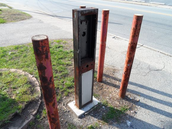 The Stub of a former payphone.JPG