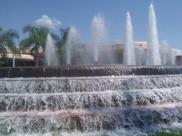 Epcot Center Fountain.jpg