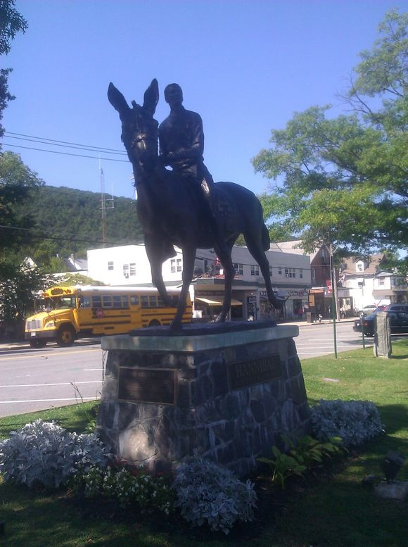 Memorial to the Army Mule West Points Mascot.jpg