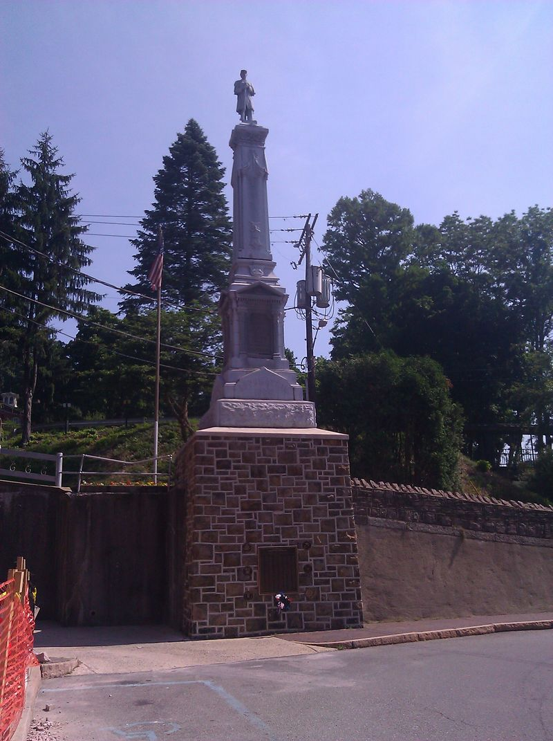 War Memorial with Union Soldier